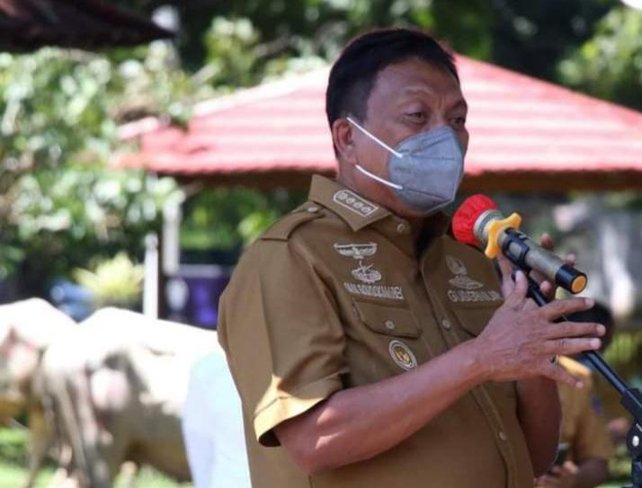 Serahkan Hewan Kurban, Gubernur Sulut: Mari Torang Sama-sama Tangani Covid-19