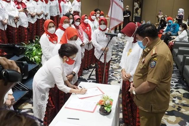 Sekdaprov Sulsel Lantik Dewan Pengurus Daerah Perempuan Indonesia Maju Provinsi Sulsel