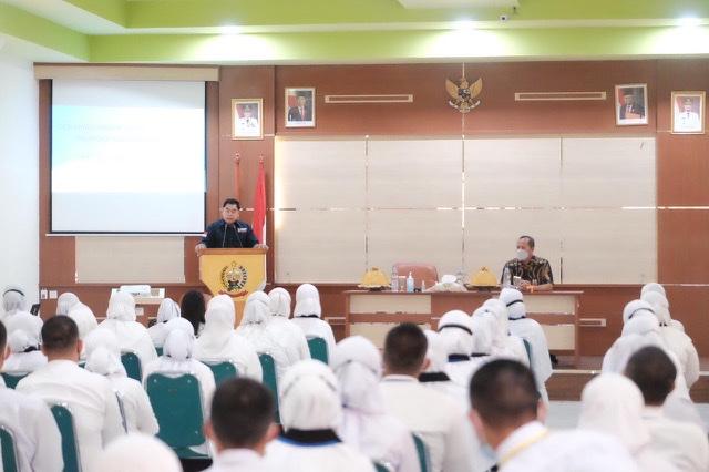 Ujung Tombak Pelayanan, Sekprov Sulsel, Abdul Hayat Ingatkan ASN untuk Disiplin Waktu