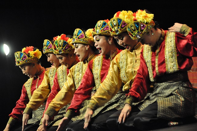 Kemenparekraf Gelar Festival Indonesia di Kota Aurons, Prancis