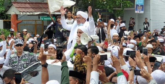 Habib Rizieq Dikabarkan Tertular Covid-19, Ini Klarifikasi Kuasa Hukum FPI