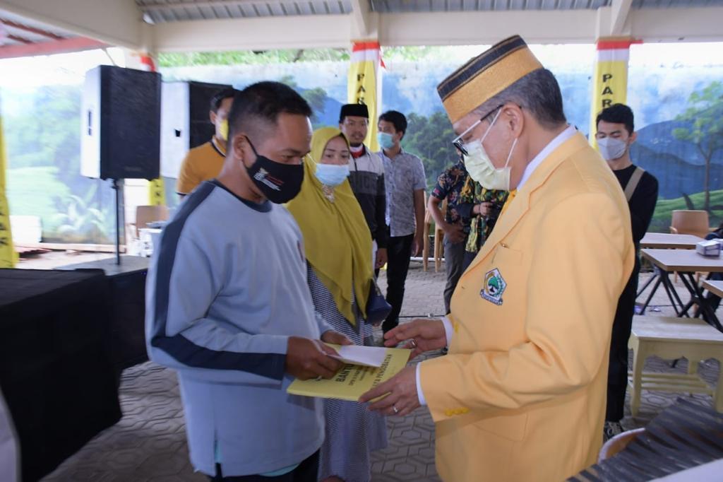 Peduli UMKM, Partai Golkar Sulsel Beri Bantuan ke 50 UMKM di Takalar