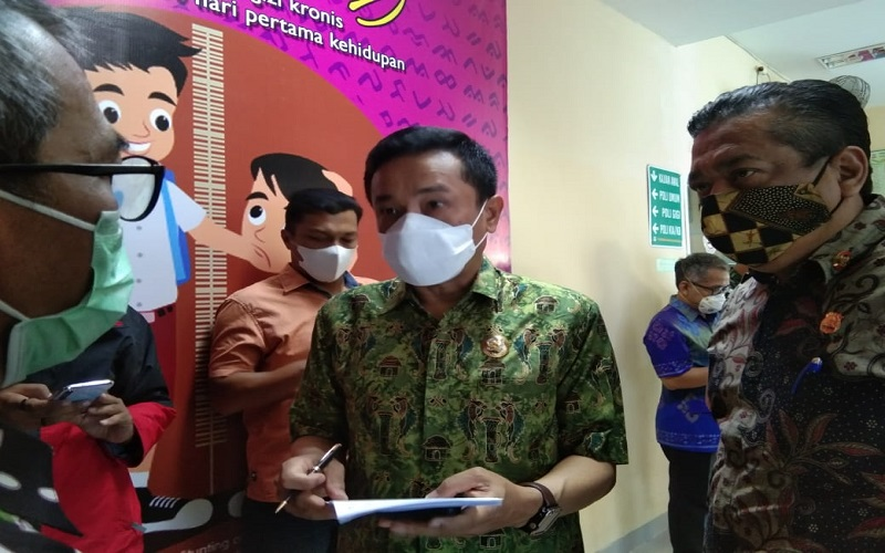 Kesan Usai Usai Disuntik Vaksin Covid-19, Pj. Walikota Makassar :  Tidak Perih tapi Sempat Kram Tangan