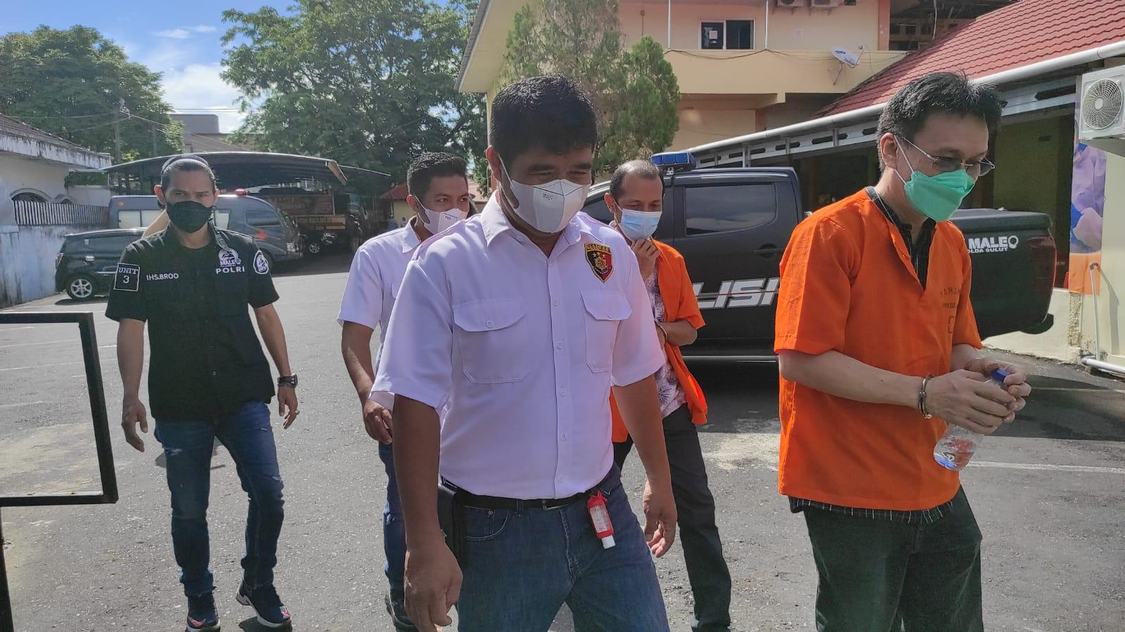 Dua Tersangka Korupsi Penerangan Lampu Jalan, Diserahkan ke Kejati oleh Penyidik Polda Sulut