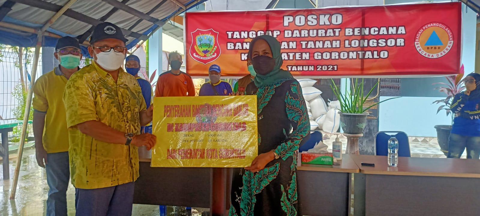 Pemkot Gorontalo Salurkan Bantuan Satu Ton Beras Untuk Korban Banjir di Kab. Gorontalo