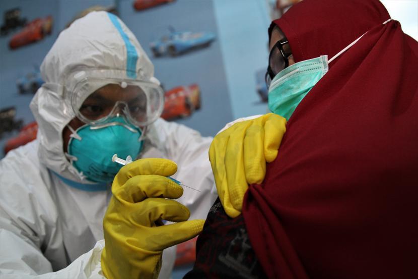 Dinkes Kendari: 70.574 Warga Sudah Ikut Vaksinasi Covid-19